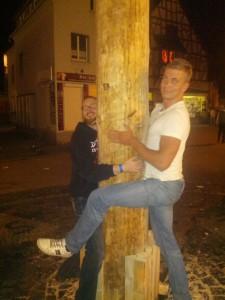 Tanzen mit dem Kirmesbaum